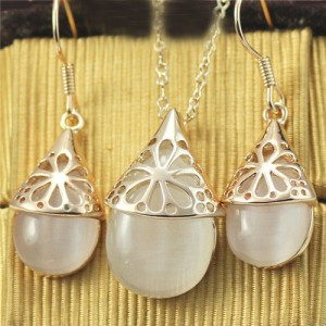 Opal Inlaid Chrysanthemum Hollow Floral Pendant Rose Gold Necklace and Earrings Set