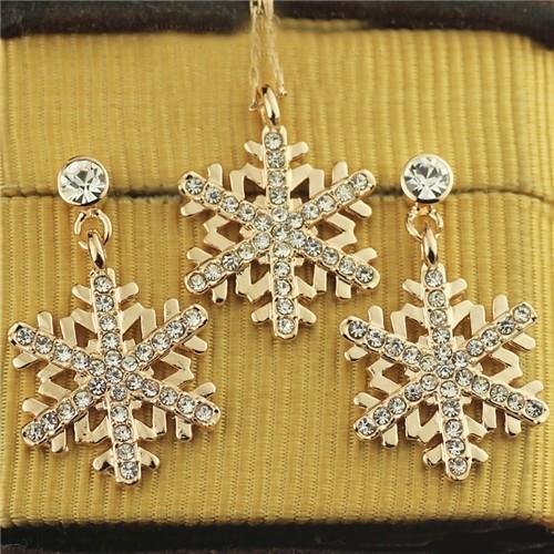 Rhinestone Embellished Snowflake Pendant Rose Gold Plated