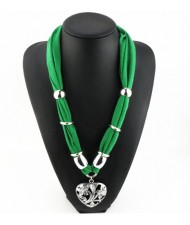 Hollow Floral Design Heart Pendant Fashion Scarf Necklace - Green