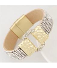 Rhinestones All-over Coarse Buckle Design Magnetic Lock Fashion Bangle - White