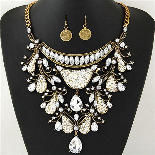 Graceful Shining Hollow Spring Floral Pattern Design Statement Fashion Necklace and Earrings Set - Golden