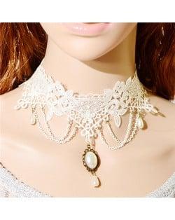 Romantic White Lace with Pearl Pendant Design Fashion Necklace