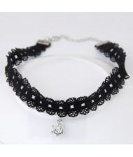 Rhinestone Decorated Vintage Design Lace Fashion Necklace