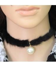 Pearl Pendant Artificial Mink Hair Short Fashion Necklace - Black