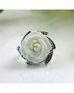 Rhinestone Embellished Graceful Rose Platinum Plated Ring - White