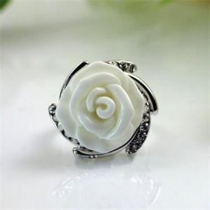 Rhinestone Embellished Graceful Rose Platinum Plated Ring - White