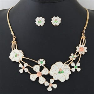 Rhinestone Inlaid Oil Spot Glazed Sweet White Flowers Costume Necklace and Earrings Set