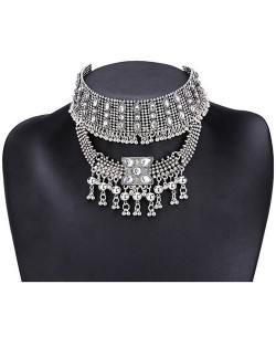 Rhinestone Embellished with Bells Pendants Vintage Choker Necklace - Silver