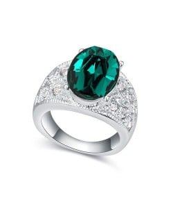 Austrian Crystal Inlaid Four Claws Shining Starry Design Platinum Plated Alloy Ring - Green