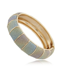 Graceful Dull Polish Texture Joints Fashion Bangle - Gradient