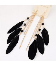 Bohemian Fashion Dangling Feather and Chain Tassel Design Earrings - Black