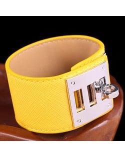Bold Punk Style Alloy Decoration Design Wide Leather Bracelet - Yellow