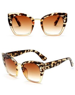 8 Colors Available Cat Eye Frame Leopard Prints Theme Star Fashion Sunglasses
