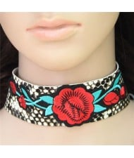Roses Embroidery Snake Leather Texture Fashion Choker Necklace