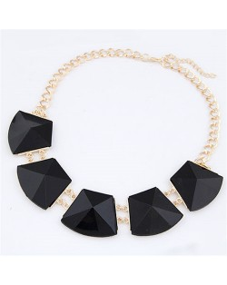Trapezoid Resin Gems Design Short Costume Necklace - Black