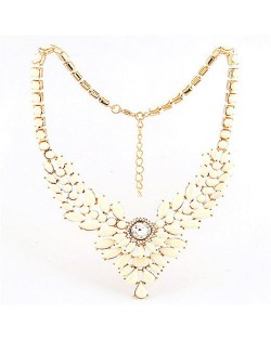 Resin Gems Embellished Young Fashion Statement Necklace - White