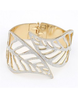Gorgeous Hollow Leaves Bold Style Fashion Bangle - White