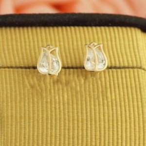 Crystal Inlaid Tulip 18k Rose Gold Ear Studs