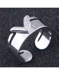 Cubic Zirconia Inlaid V Style Fashion Ring - Silver