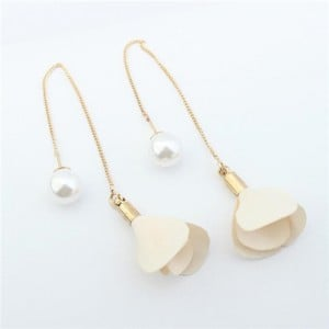 Korean Fashion Pearl And Petals Flower Design Earrings Milky White