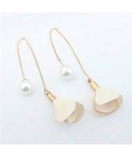 Korean Fashion Pearl and Petals Flower Design Fashion Earrings - Milky White