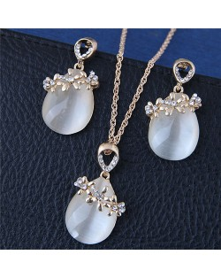 Sweet Flowers Decorated Opal Waterdrop Fashion Necklace and Earrings Set - Golden