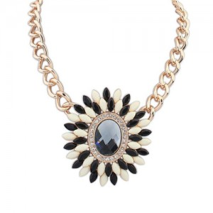 Resin and Glass Flower Pendant Chunky Fashion Costume Necklace - Black and White