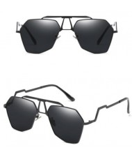 6 Colors Available Irregular Frame with Unique Design Legs Unisex High Fashion Sunglasses