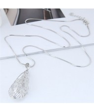 Silver Hollow Leaf Long Chain High Fashion Costume Necklace