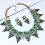 Turquoise Inlaid Vintage Hollow Folk Pattern Design Chunky Costume Necklace - Green