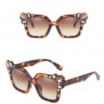 6 Colors Available Gems Embellished Frame Women High Fashion Sunglasses