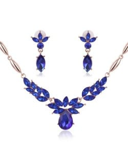 Rhinestone Flower Pattern Graceful 2pcs Golden Fashion Jewelry Set - Blue