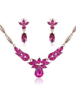 Rhinestone Flower Pattern Graceful 2pcs Golden Fashion Jewelry Set - Rose