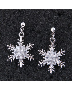 Delicate Cubic Zirconia Inlaid Snow Flakes Design Fashion Costume Earrings - Silver
