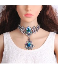 Artificial Crystal Flower Design Elegant Women Statement Necklace - Blue