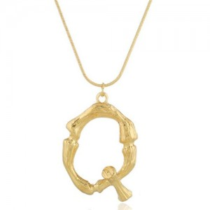 Punk High Fashion Alphabets Golden Alloy Costume Necklace - Q
