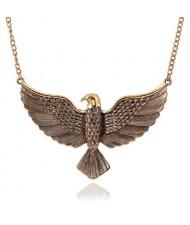 Vintage Eagle Pendant High Fashion Costume Necklace - Golden