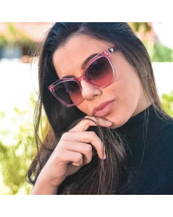 6 Colors Available Golden Heart Decorated Bold Frame High Fashion Sunglasses