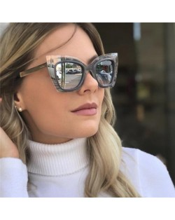 6 Colors Available Cat Eye Style Frame High Fashion Sunglasses