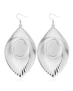High Fashion Big Leaves Design Alloy Earrings - Silver