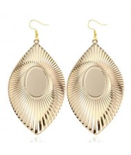 High Fashion Big Leaves Design Alloy Earrings - Golden