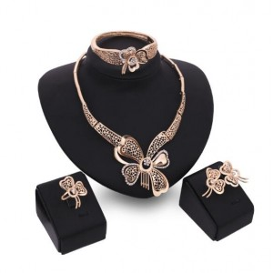 Butterflies Hollow Fashion 4pcs Golden Jewelry Set