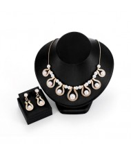 Pearl Inlaid Hollow Waterdrops Design 2pcs Brides Fashion Costume Jewelry Set
