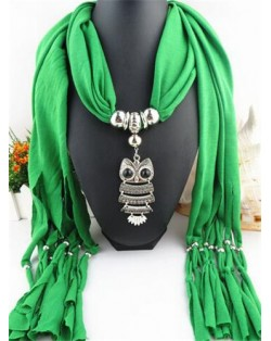 Night-owl Pendant Classic Style Scarf Necklace - Green