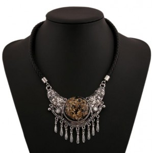 Vintage Royal Style Pendant Short Fashion Rope Costume Necklace - Silver
