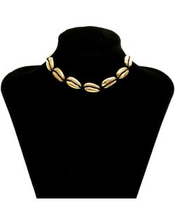 Alloy Seashell Vintage Style Women Costume Necklace - Golden + Black