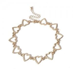 Linked Hollow Hearts Design Short Fashion Choker Necklace - Golden
