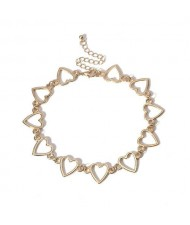 Linked Hollow Hearts Design Short Fashion Choker Necklace - Golden