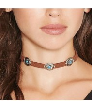 Artificial Turquoise Inlaid Flowers Design Bohemian Fashion Choker Necklace - Brown