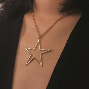 Hollow Star Pendant Alloy Fashion Necklace - Golden
